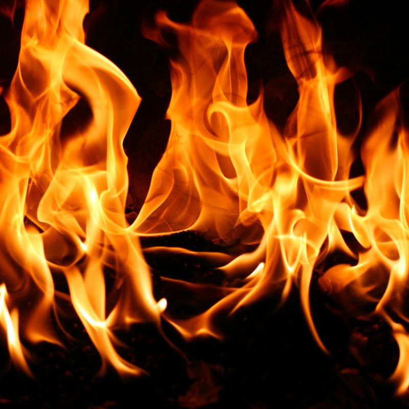 На Луганщині чоловік спалив три хати після чого застрелився