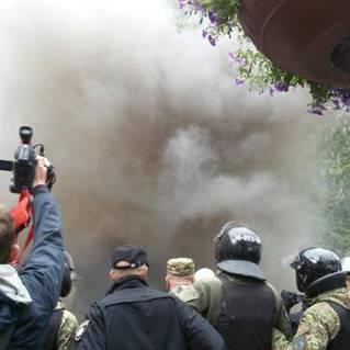 У мережі з'явилося відео зіткнень і затримань 9 травня у Києві  (відео)
