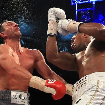 Не завершувати кар'єру поразкою: легенда боксу хоче побачити реванш Кличка з Джошуа