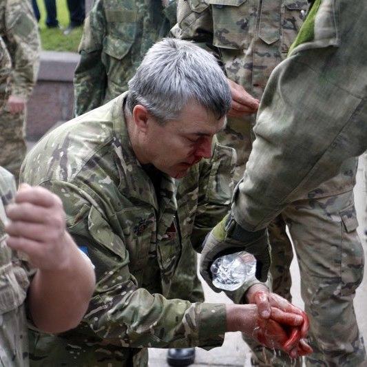 Тітушки нападали разом із поліцейськими: ветеран АТО розповів шокуючі деталі сутички в Дніпрі на 9 Травня