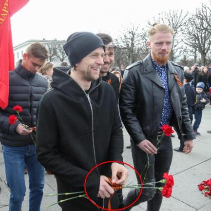 Екс-капітана збірної України Тимощука помітили в Росії із георгіївською стрічкою (фото)