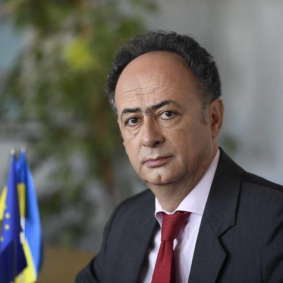 Посол ЄС привітав українців зі скасуванням віз українською мовою (відео)