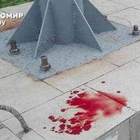 В Житомирі на хлопчика впала штанга від тролейбуса (фото)