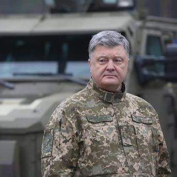 Порошенко про Януковича: Нехай пояснить, що означає запрошення російських військ на територію України. Нема за це прощення