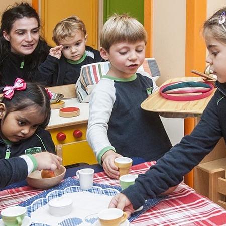 У Мілані запрацює вечірній дитячий сад, щоб батьки змогли побути наодинці