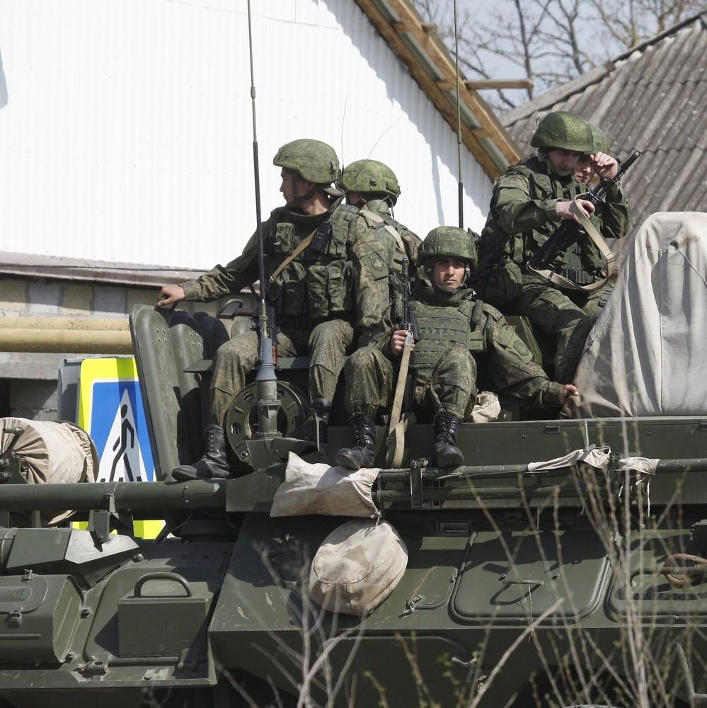 Російські військові в окупованому Криму готуються до наступу (відео)