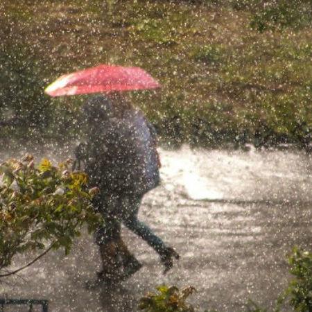 Одесу накрила потужна весняна злива: чаруючі фото негоди
