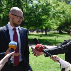 Яценюк у Вашингтоні закликав змусити РФ відновити територіальну цілісність України