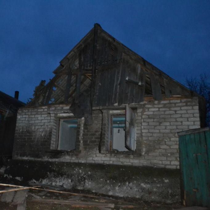 Бойовики знову обстріляли Авдіївку: знищено житловий будинок