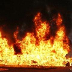 У центрі Мюнхена чоловік вчинив самоспалення залишивши на автомобілі напис політичного змісту