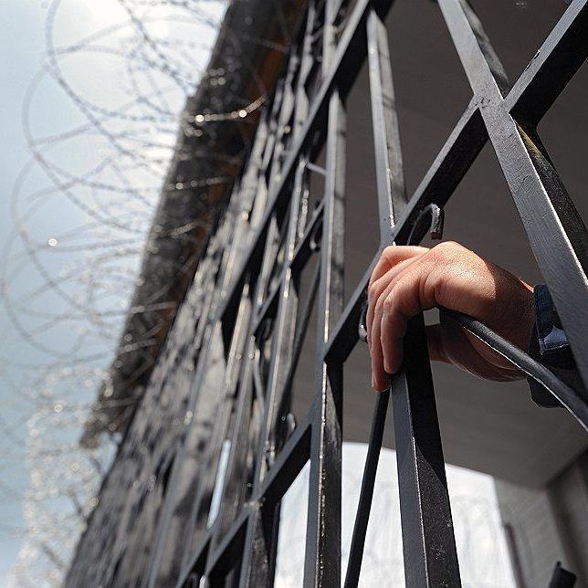 Колона пікетувальників рушила із центру Києва до маєтку Порошенка