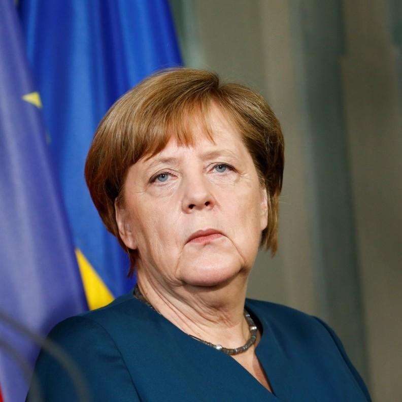 Зустріч Порошенка та Меркель: «Перемир'я на Донбасі не має, Мінські домовленості не виконуються»