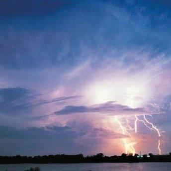 Блискавка вбила рибалку під Миколаєвом, – ЗМІ