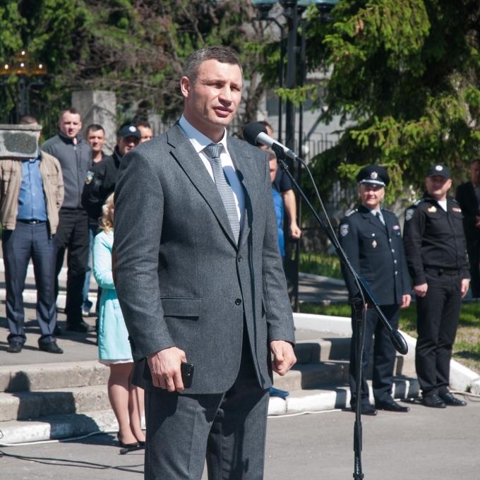 Віталій Кличко привітав новий набір патрульної поліції із присягою