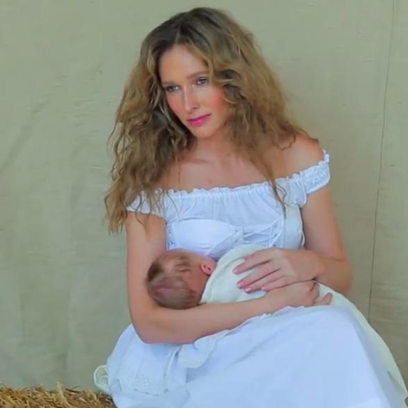 Катя Осадча зі своїм немовлям знялась для обладинки журналу ELLE Ukraine (фото, відео)