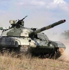 Воїни на передовій отримали півсотні танків