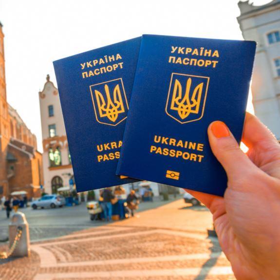 Порошенко підписав указ щодо забезпечення права громадян України на безвізові поїздки до ЄС