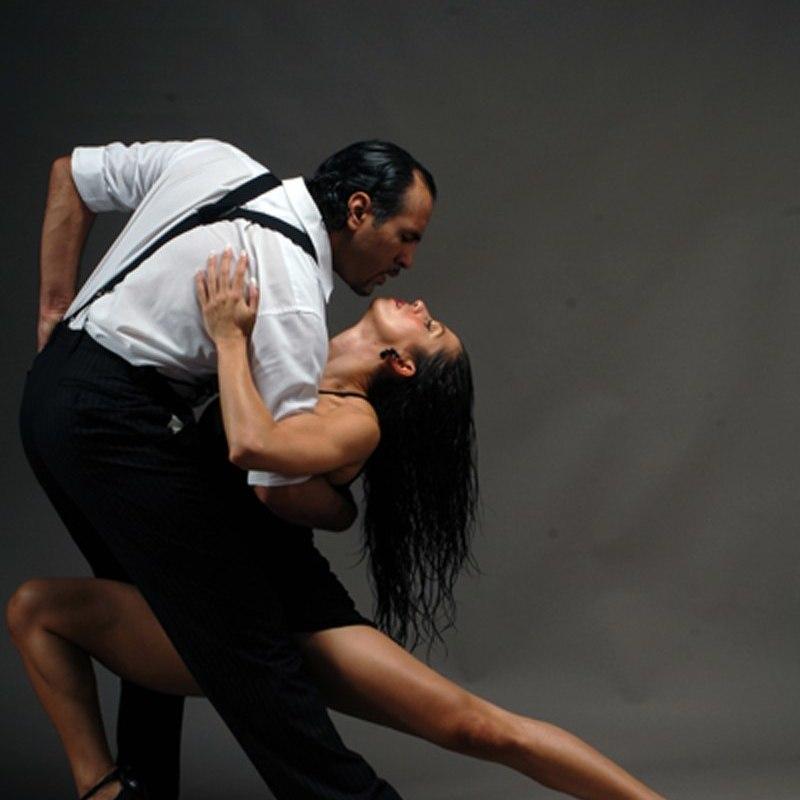 Реабілітація танцем: ветеран АТО відкрив школу танго