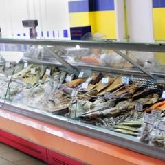 В Броварах чоловік потрапив в реанімацію через отруєння рибою із супермакета (відео)