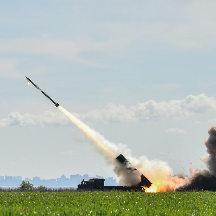 Президент України був присутній на випробуваннях нової ракети (відео)