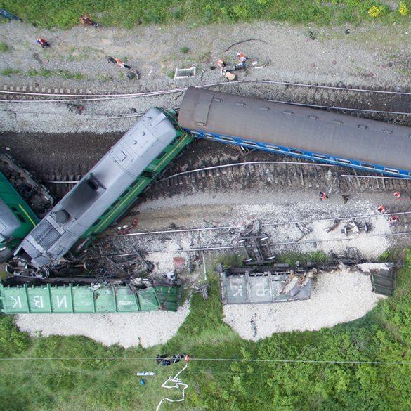 Зіткнення поїздів на Хмельниччині: опубліковано унікальні фото з висоти плашиного польоту (фото)