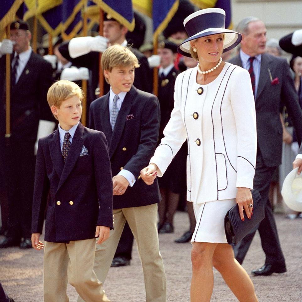 «Я би хотів, щоб мама познайомилася з Кетрін, щоби бачила, як ростуть наші діти» - принц Вільям