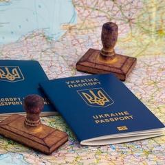 Громадяни України, які втекли в РФ з ідеологічних причин, штурмують українські дипустанови, щоб оформити біометричні документи