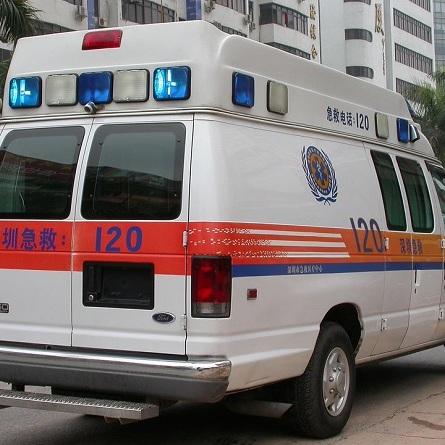 У Таїланді вантажівка влетіла в ресторан: є загиблі і поранені