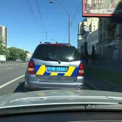 Соцмережі обурені через нахабну поведінку поліції у Києві (відео)