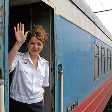 Укрзалізниця опублікувала поради, як займатися сексом у потягу (фото)