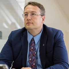 Антон Геращенко знає, хто причетний до вибуху в американському посольстві
