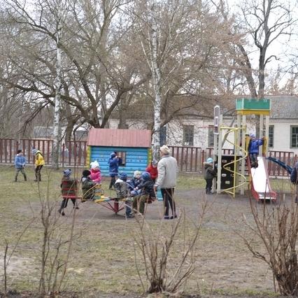 «Це така гра»: У київському дитсадку вихователька б'є дітей по обличчю