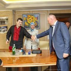 Аваков нагородив Осмаєва (фото, відео)