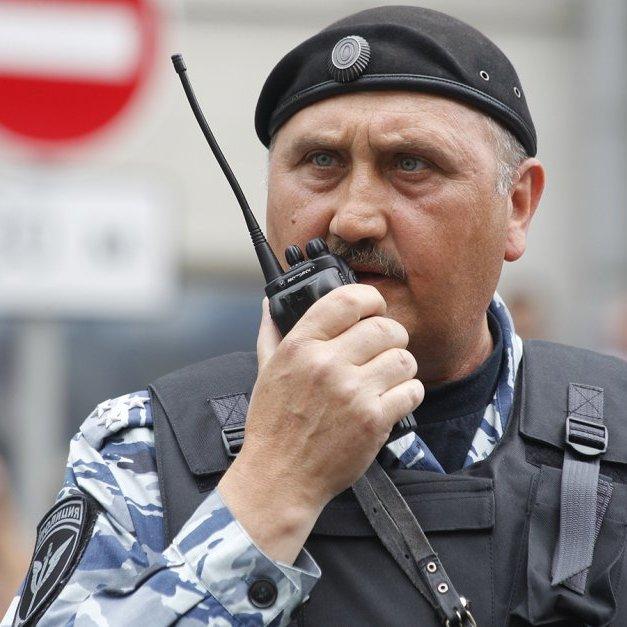 Екс-командир київського Беркуту вже розганяє мітинги у Москві (фото)