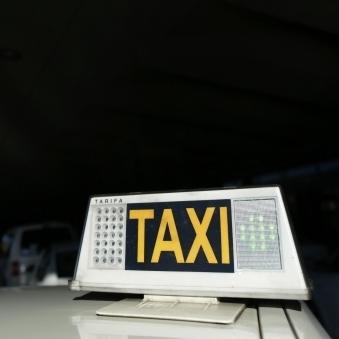 На Житомирщині жінка народила доньку в таксі дорогою до лікарні (відео)