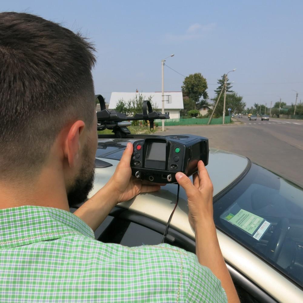 Максимальну швидкість руху у містах пропонують знизити до 50 км/год