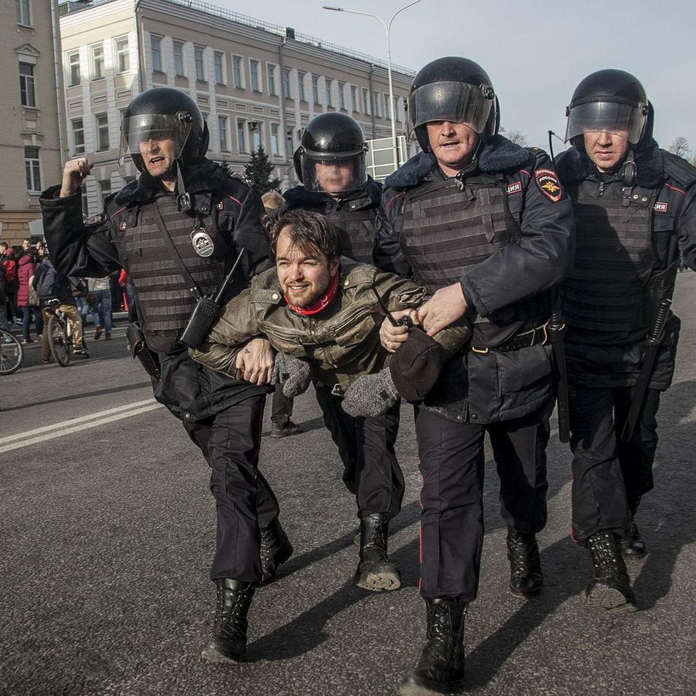 Протести в Росії вдарили по слабких місцях системи правління Путіна, – NYT