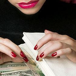 «Жінка у білому халаті»: шахрайка ошукала підприємців, видаючи себе за лікарку