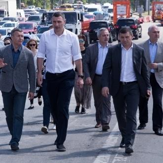 Віталій Кличко: «Рух на шляхопроводі біля метро «Нивки» відновлять у вересні»