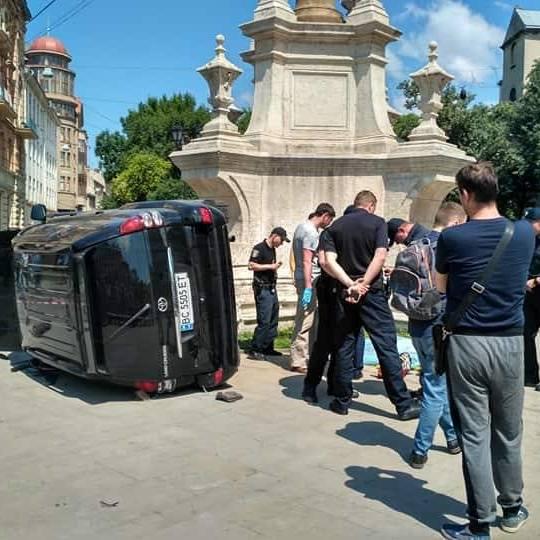 Поліція відпустила водія, який на смерть збив жінку у центрі Львова