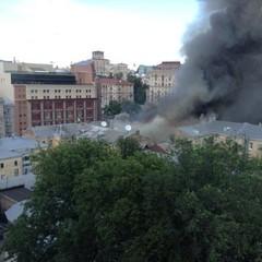 Масштабна пожежа на Хрещатику. Стала відома причина (відео)