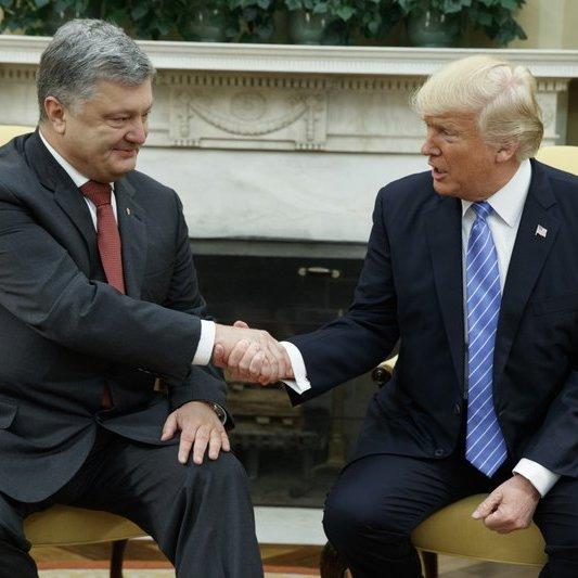 Американські ЗМІ про візит Порошенка до Трампа: коротка зустріч для фото