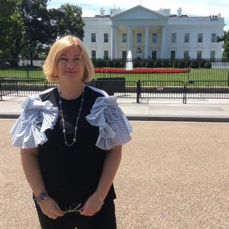 Геращенко у Вашингтоні голодувала та вразила блузкою made in Ukraine (фото)