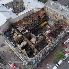 Пожежа у центрі Києва. Журналісти потрапили на згарище історичної будівлі (фото, відео)