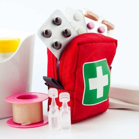 Дорожня аптечка: які ліки взяти з собою у відпустку