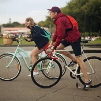 Порошенка закликають зобов'язати велосипедистів здавати на права