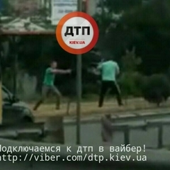 У Києві двоє чоловіків влаштували перестрілку серед вулиці (фото)