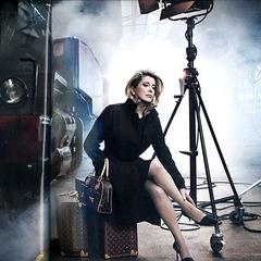 Красива 73-річна Катрін Денев знялась у рекламній кампанії Louis Vuitton (фото)