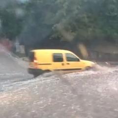 В Хмельницькому пройшла сильна злива (відео)