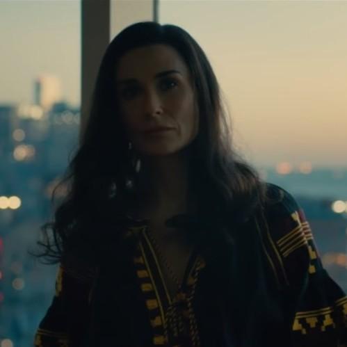 Голлівудська акторка з'явилася у трейлері нового фільму в українській вишиванці (відео)